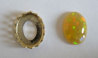 14k bezel setting with opal