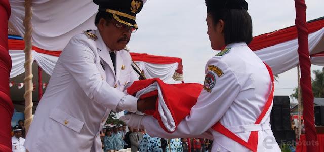 Penerimaan Bendera - Periode-Periode Perkembangan Gerakan Nasional Indonesia