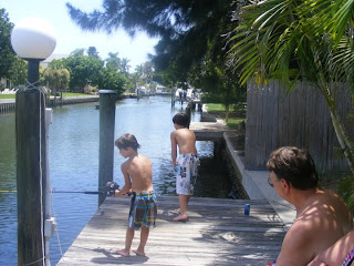Saltwater fishing tips for the south florida fishing canals for Florida canal fishing