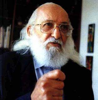Frases de  Paulo Freire em áudio