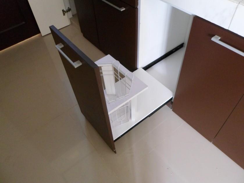 Kitchen set lurus minimalis dengan tempat sampah kitchen for Kitchen set lurus