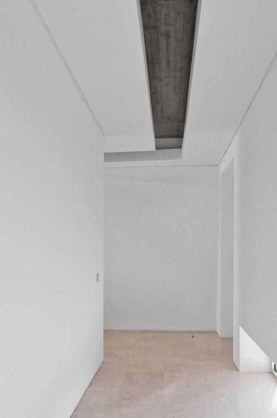 Download Desain Rumah Minimalis Putih Bersih Berhiaskan Kaca gambar 8