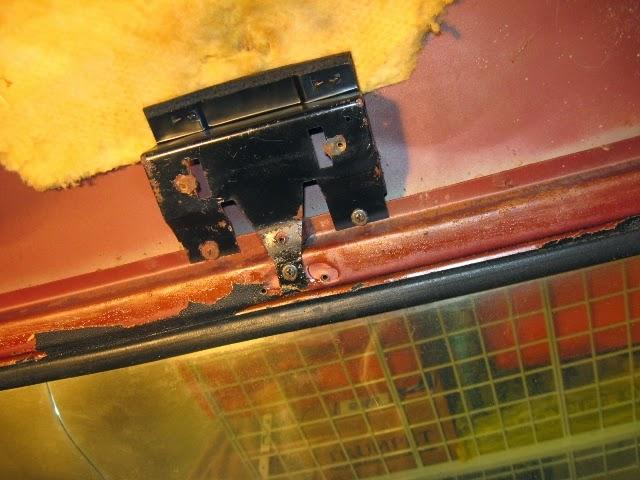 Fastback interior console removal