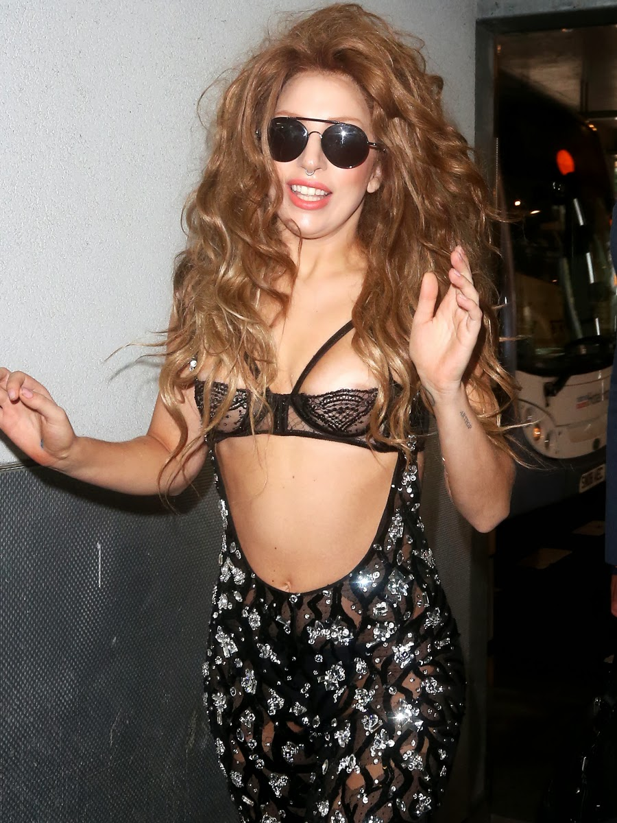 Lady Gaga in London Heathrow Airport