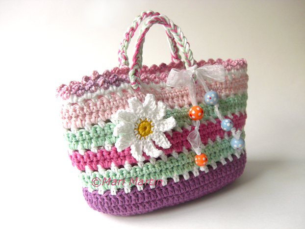 Crochet Bags Video : ... .etsy.com/listing/126634062/diy-pdf-pattern-crochet-bag-purse-daisy