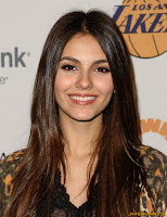 Victoria Justice in Sexy tight jeans at Lakers Casino Night benefiting the Los Angeles Lakers Youth Foundatiton