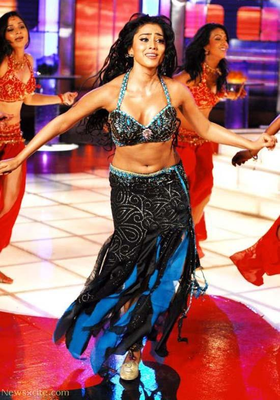 Shriya Saran1 - Shriya Saran Hot Pics in Cholis