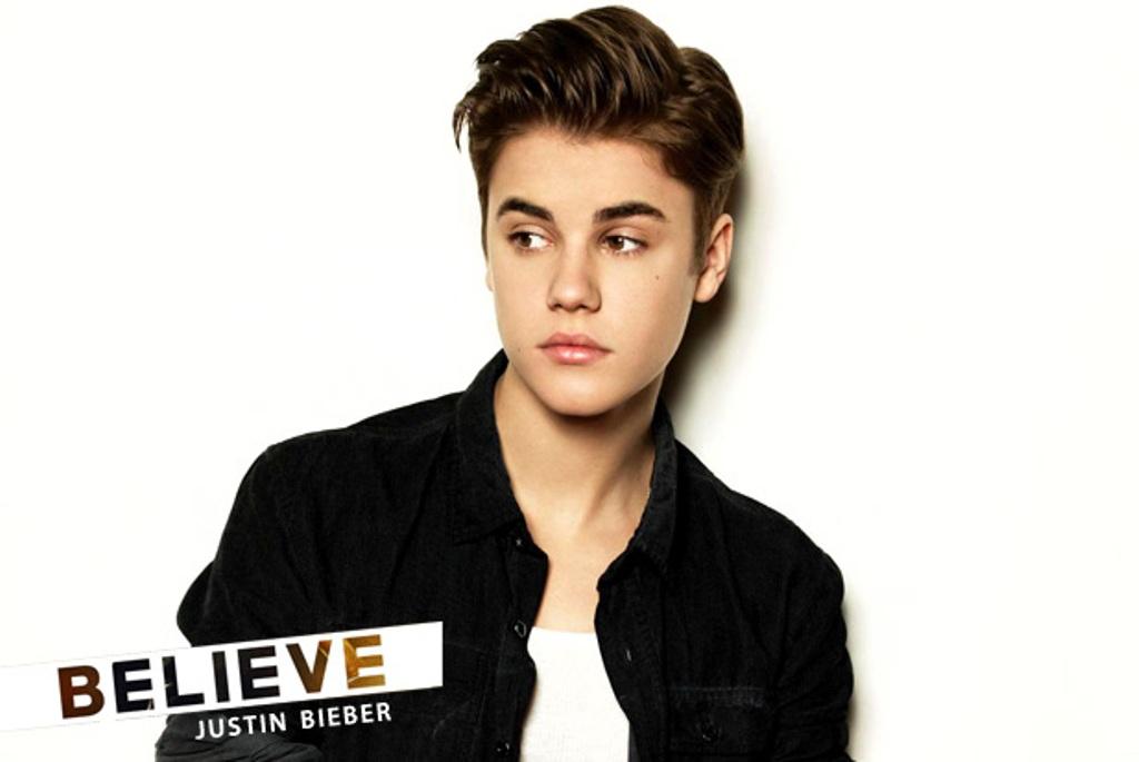 Justin Bieber in Black T-Shirt