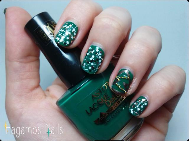 Manicura navideña verde. El Árbol. Hagamos Nails