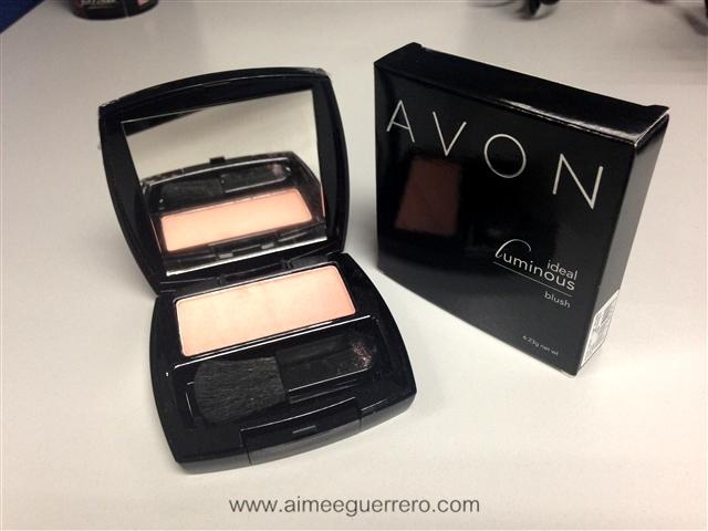 Ideal Luminous Blush in Peach   Avon Glamourbox