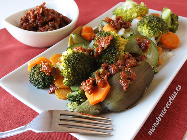 Verduras al vapor con salsa de tomate seco el monstruo for Cocinar zanahorias al vapor