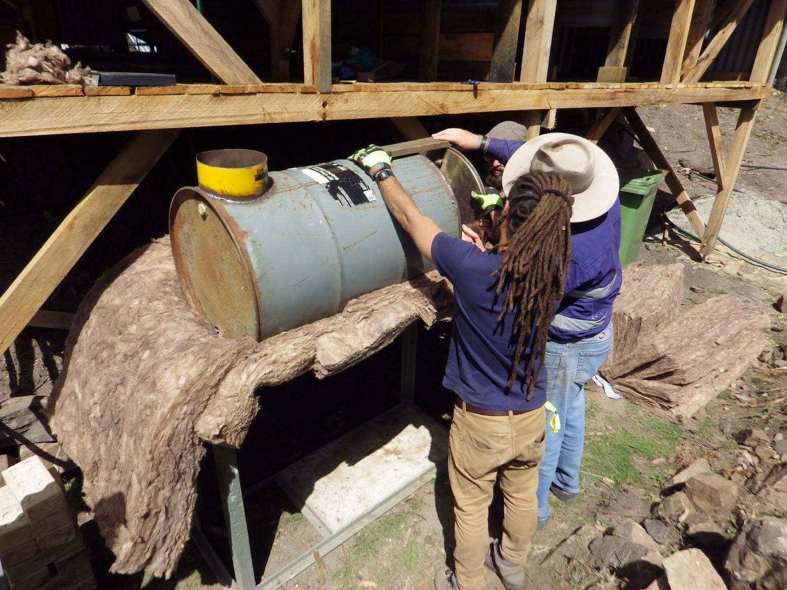 Un petit tour une alternative la permaculture for Chauffe eau au bois pour piscine