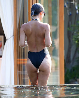 Myleene Klass Seriously Sexy wet derriere plunging swimsuit (11).jpg