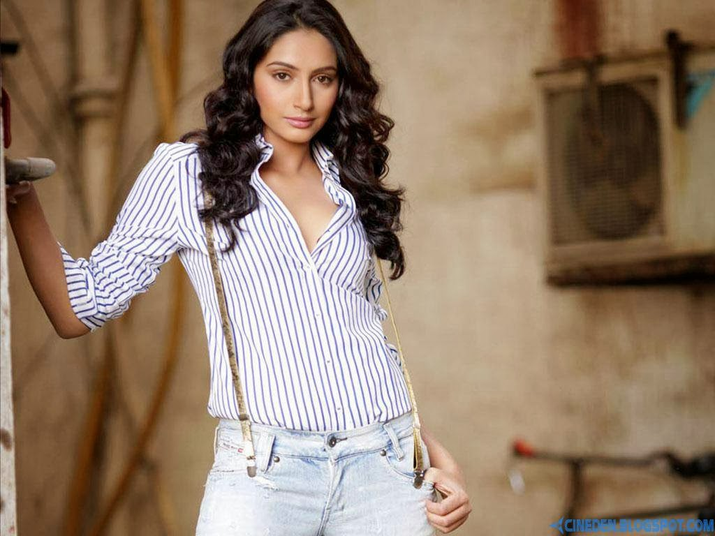 Ragini Dwivedi to do a special number in Prabhu Dheva's next - CineDen