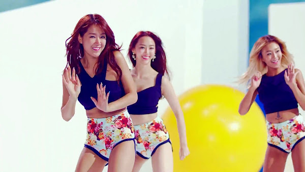 Soyou SISTAR Touch My Body