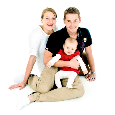 family portrait, mum, dad and baby girl, photography, photographers