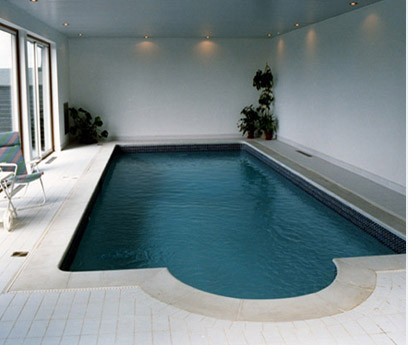 New home designs latest indoor home swimming pool for Swimming pool in house design