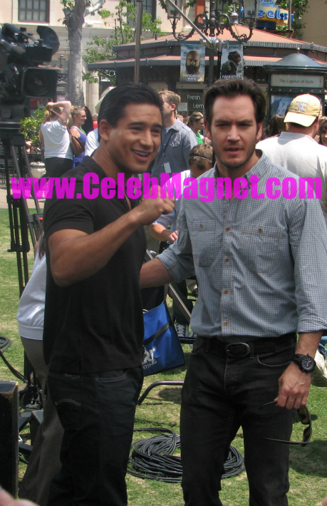 Mark-Paul Gosselaar and Mario Lopez Extra Interview
