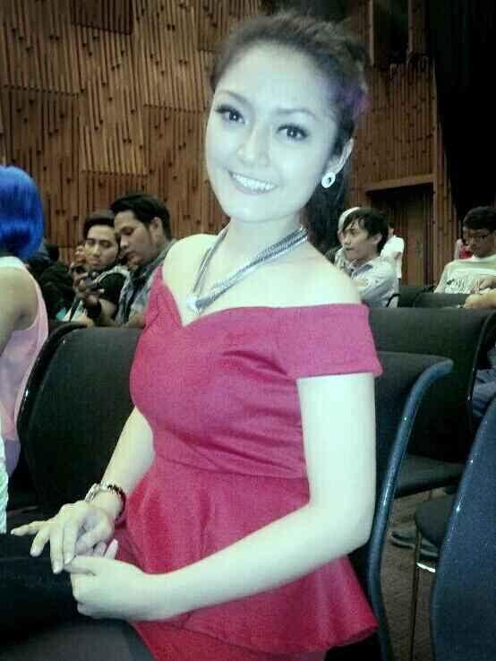 Siti Badriah Penyanyi Dangdut - infolabel.blogspot.com