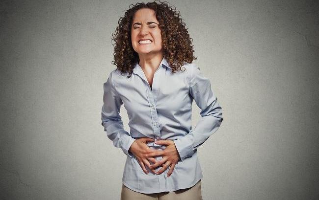 Tips Cara Mengenali Ciri-Ciri Keracunan Makanan, dan Penanganannya