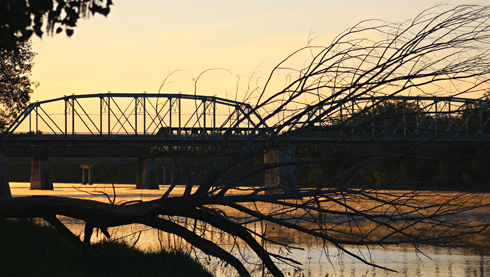 finlay bridge medicine hat alberta sunrise photography