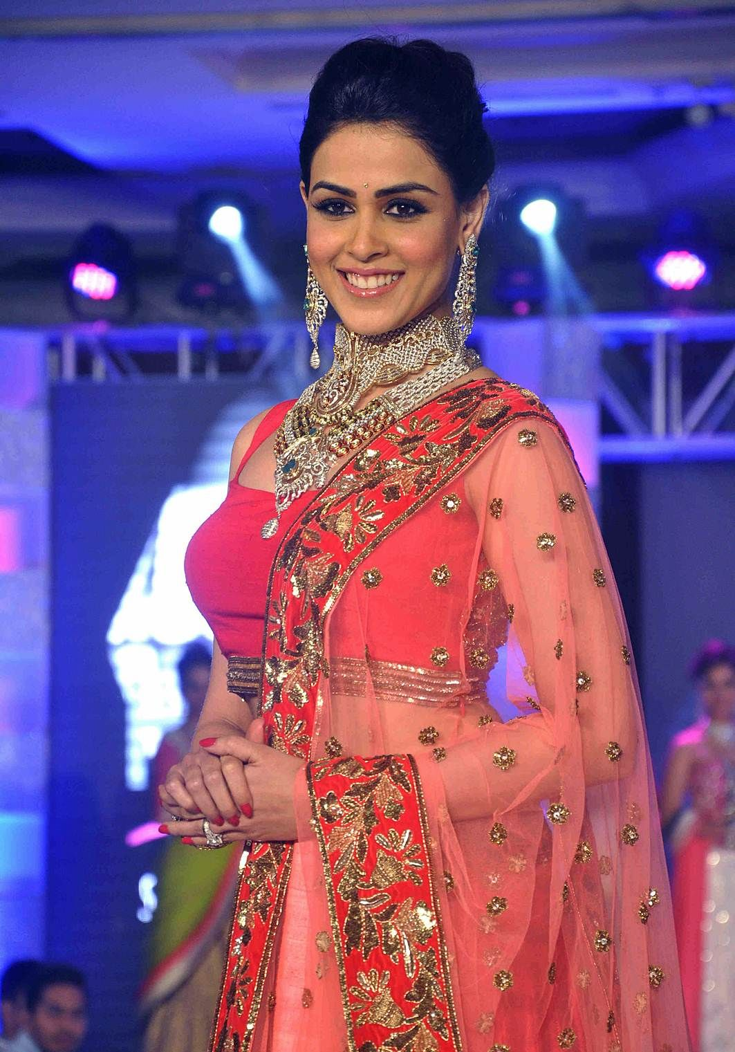 Genelia D'souza HD Photos & Wallpapers Free Download