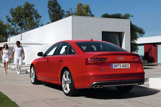2013 Audi S6 Saloon Back Exterior