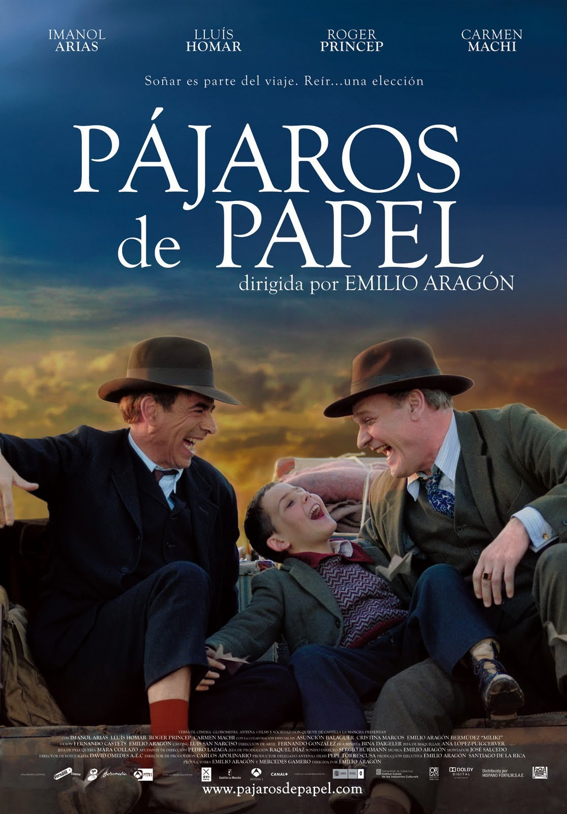 http://descubrepelis.blogspot.com/2012/11/pajaros-de-papel.html