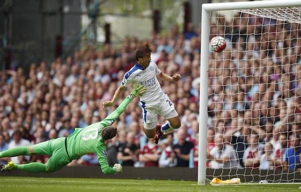 Gol Sundulan Leicester City