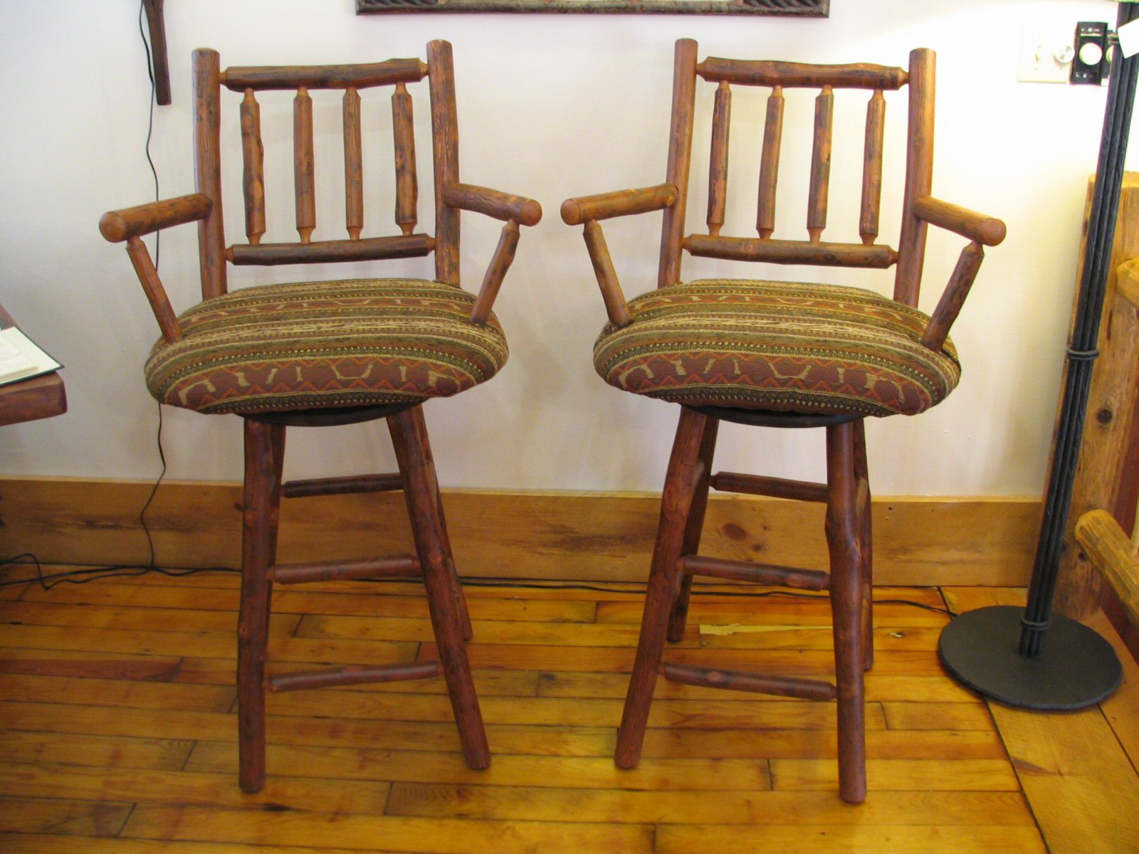 Go Rustic!: Old Hickory Upholstered Furniture