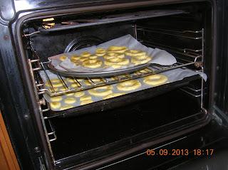 ciambelline campagnole  con farina di mais e morbidose  ciambellinesenza uova e  senza buco...
