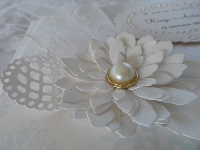 kartka ślubna w bieli i błękicie