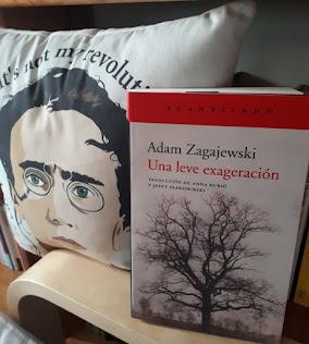 ESTOY LEYENDO  A ADAM ZAGAJEWSKI