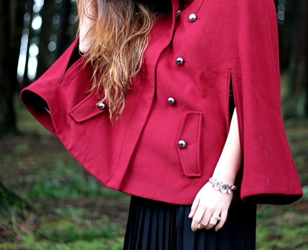 Fashion details for a wool cape winter style