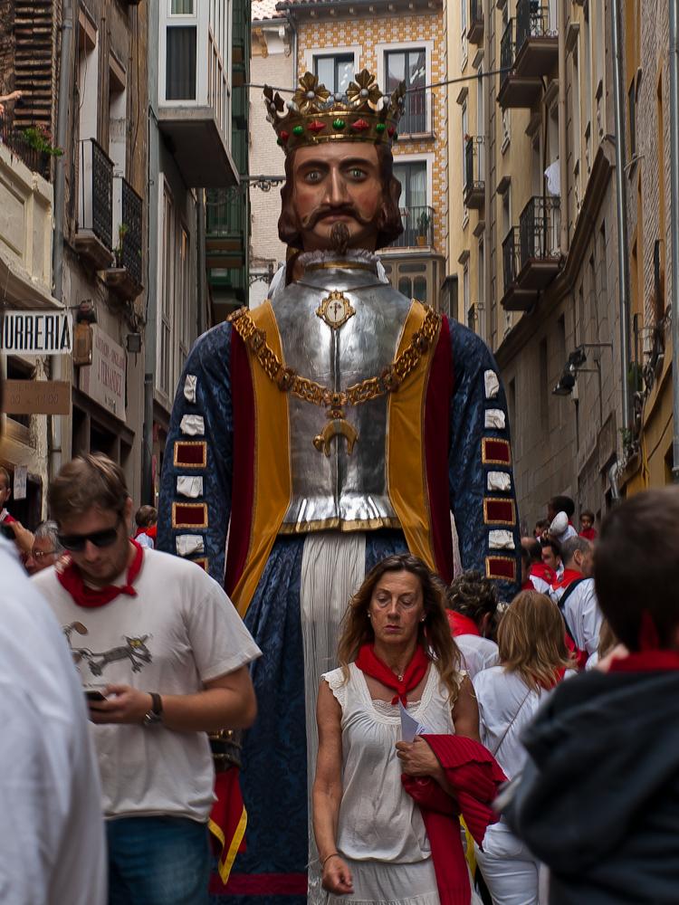 discreto escolta trajes en Pamplona