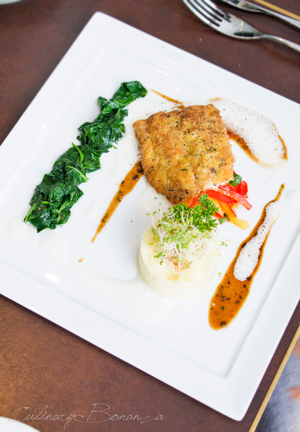 Auroz Gourmet Grill: Pan Seared Alaskan Flounder with olive oil, potato puree and Sauteed Spinach