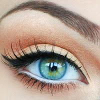 ojo pequeño maquillado