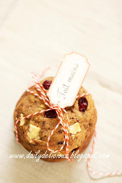 dailydelicious: White chocolate, cranberry cookies: To keep and to ...