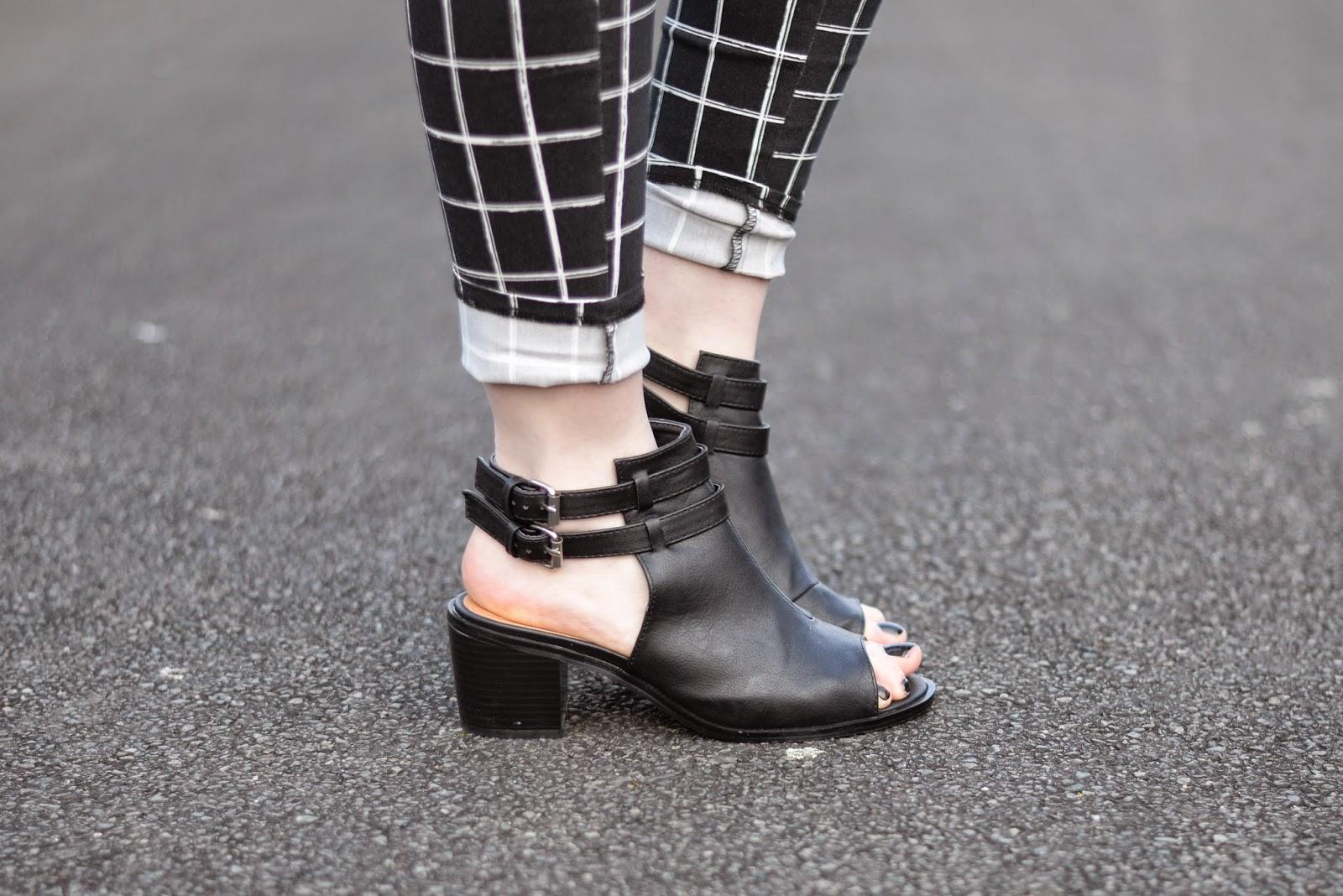 Sammi Jackson - Spy Love Buy Sandals