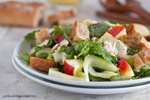 Turkey or chicken, apple, fennel and bread salad: a healthy, hearty meal salad