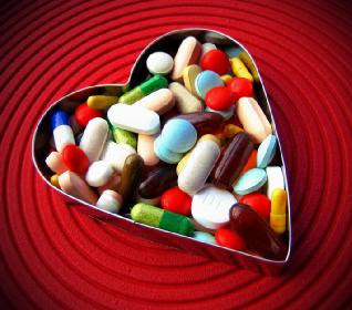 Could You Be Addicted To Love - addicted-to-love-desktop-pc-and-mac - medicine pills love heart