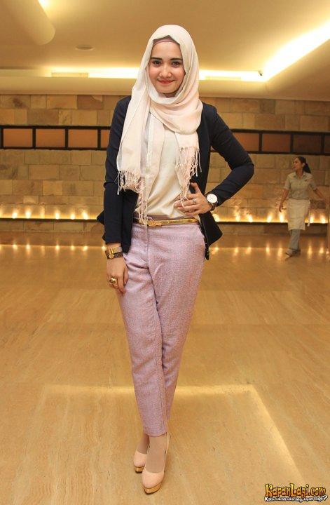 Gaya Hijab Ala Zaskia Sungkar Inspirasi Busana Lebaran 2013 Fashion Selebritis Indonesia