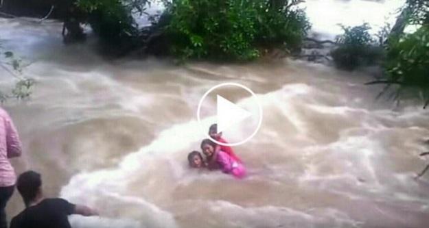 Video Ngeri Kemalangan Air Terjun! Kepala Air Muncul Dengan Tiba-Tiba! Lihatlah Apa Yang Terjadi...