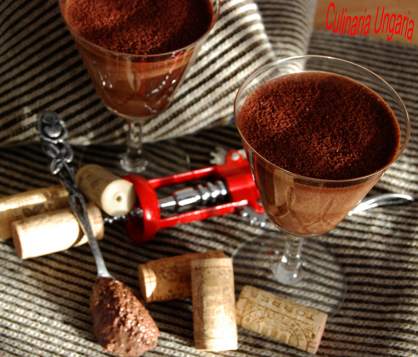 culinaria ungaria rotwein schokoladen mousse. Black Bedroom Furniture Sets. Home Design Ideas