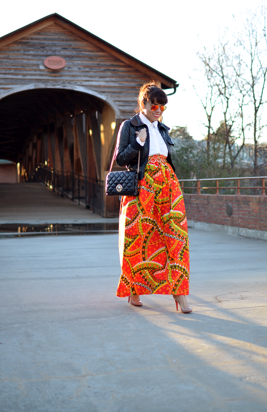 Outfit with printed maxi skirt