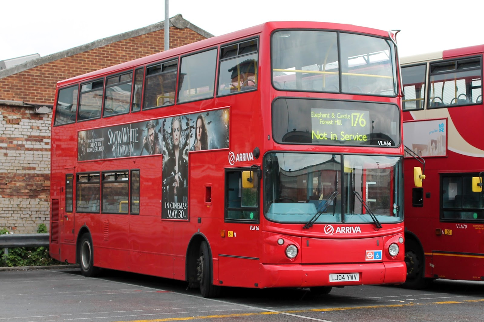 London Buses - Arriva in North London - Hybrid Double Deckers ...