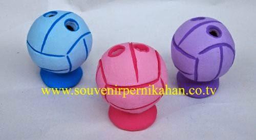 souvenir tempat pensil berbentuk bola