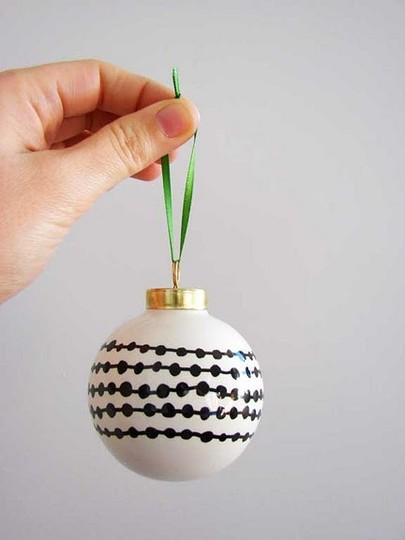 It 39 s oh so grand diy modern holiday decorations for Diy modern christmas decorations