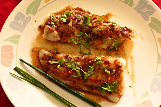 Fish Fillets with Lemon Honey Sauce
