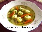 Slepačia polievka s bazalkovými knedličkami - recept